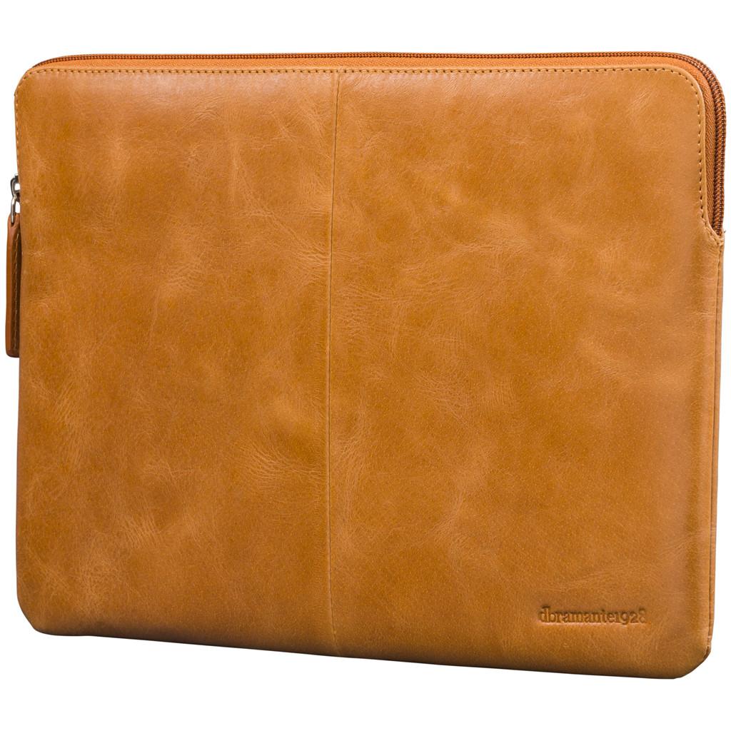 dbramante1928 Skagen 13 inch MacBook Sleeve Leer Bruin / Breedte laptop 28,7 cm - 30,5 cm