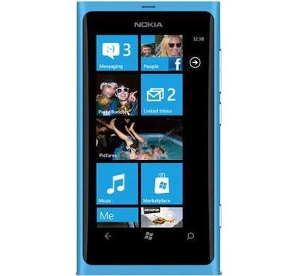 Nokia Lumia 800 + Headset