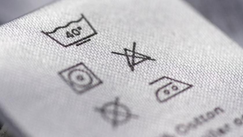 Etiquette de lavage avec symboles
