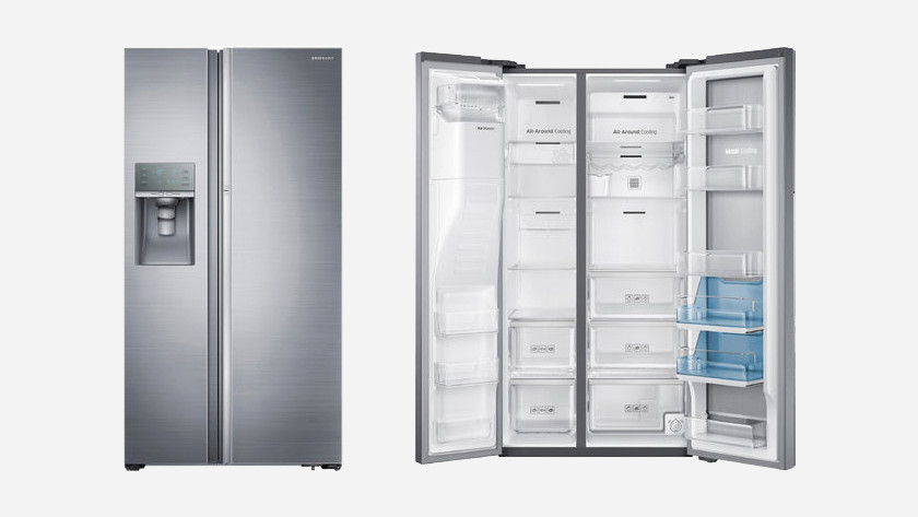 Amerikaanse koelkast binnen- en buitenkant