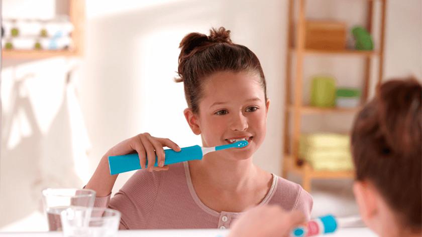 Bij sonische tandenborstels loopt de poetsintentsiteit gedurende de eerste weken langzaam op.