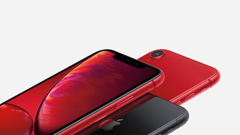 Apple iPhone Xr Red detail