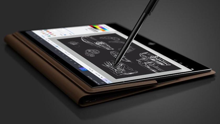 Touch pen presses on HP Spectre Folio.