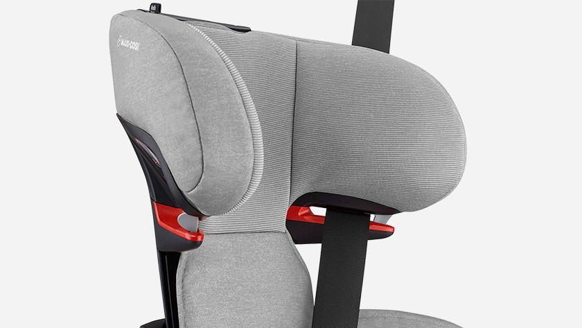 Autostoel met gordelbevestiging