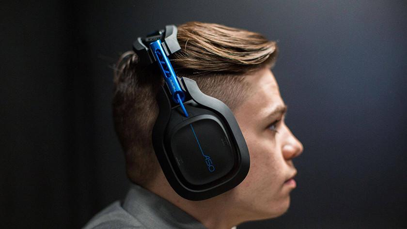 Spelen met een draadloze headset