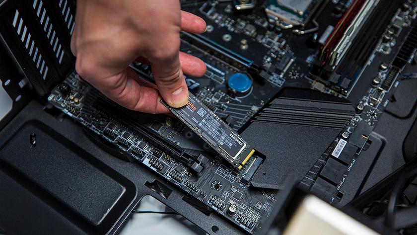 M.2 SSD inbouwen