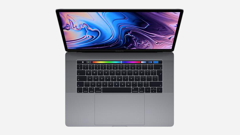MacBook Pro 2018 Front
