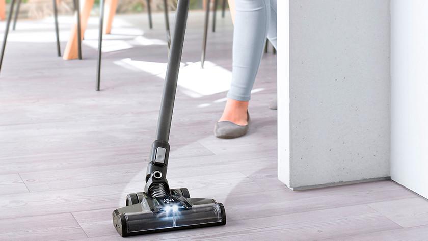 Stick vacuum floor type