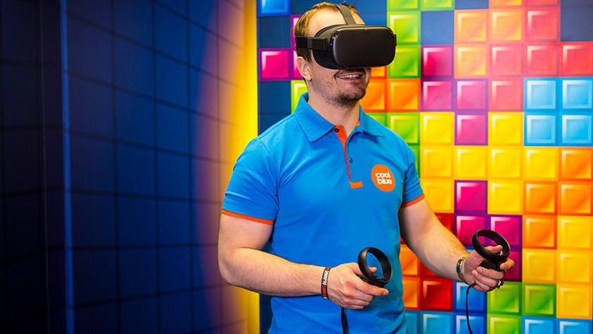 Games spelen met een VR bril.