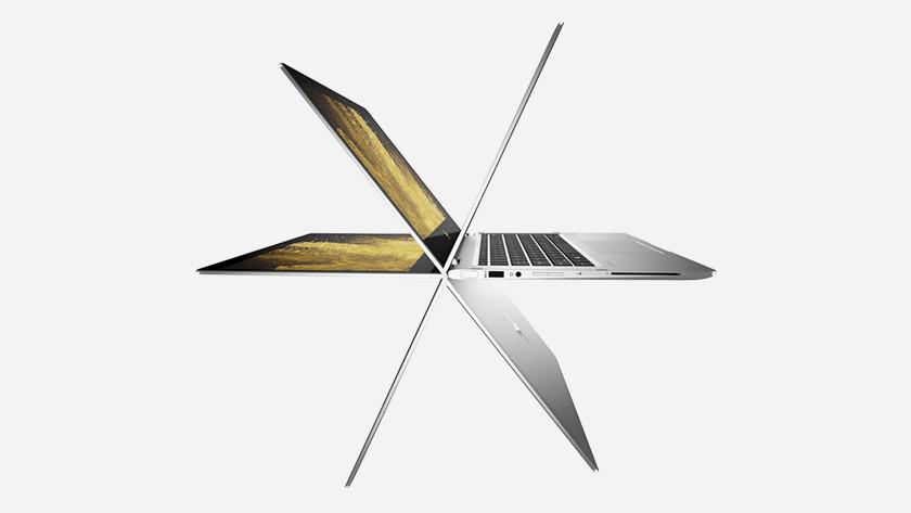 Laptop met scherm in diverse standen.