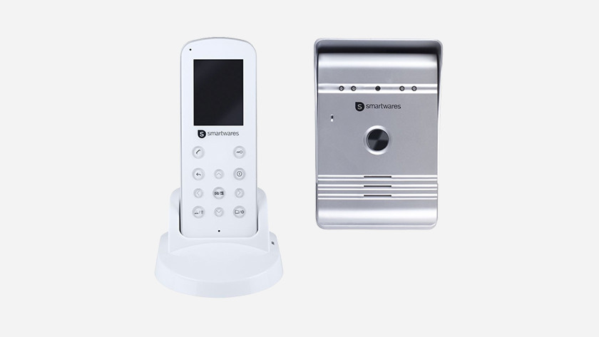Doorbell with extra receiver