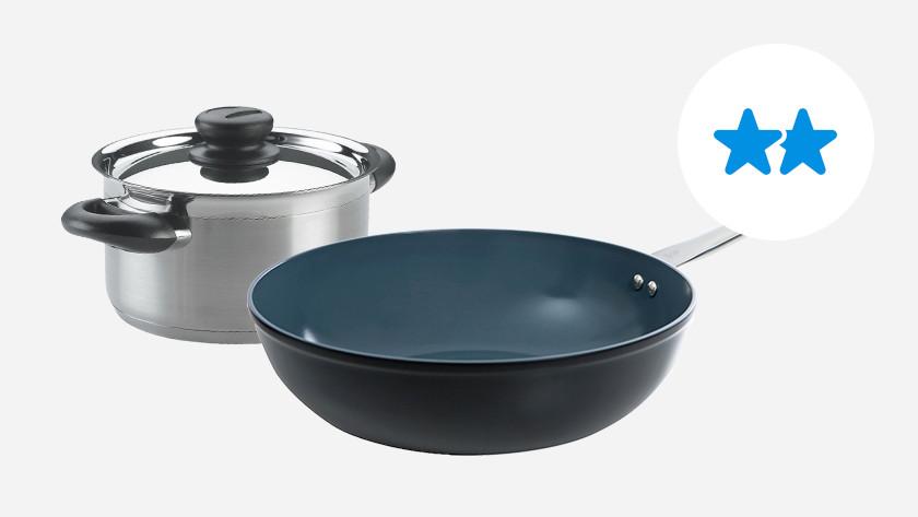 casserole en inox avec poignée froide et wok en céramique