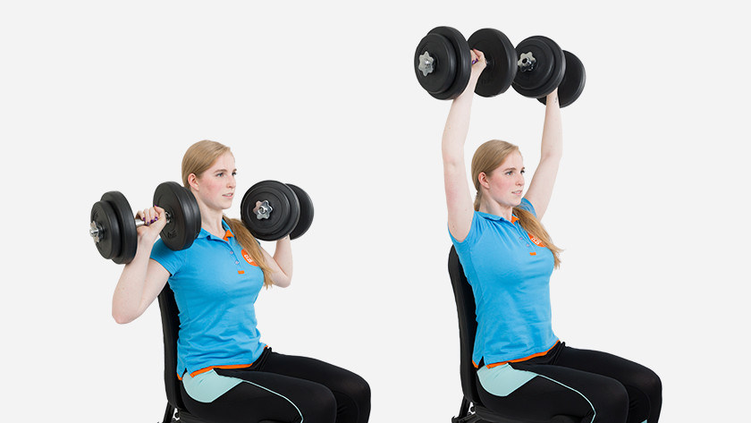 uitleg shoulder press dumbbells