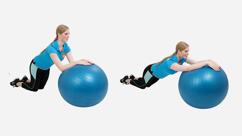 explication du roll-out avec le ballon de fitness