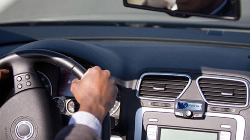 Bluetooth headset car kit