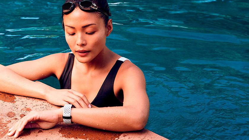 Zwemmer met waterdicht horloge