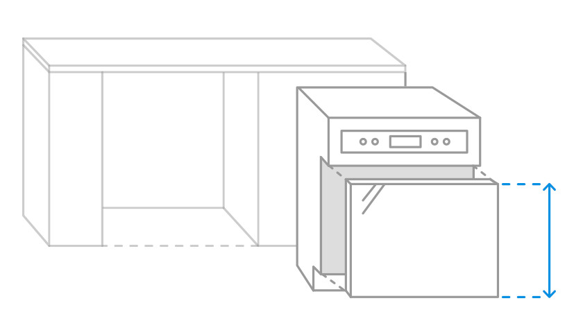Visually measurable front panel of a semi-integrated dishwasher