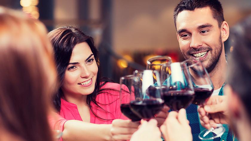 Aanslag door rode wijn
