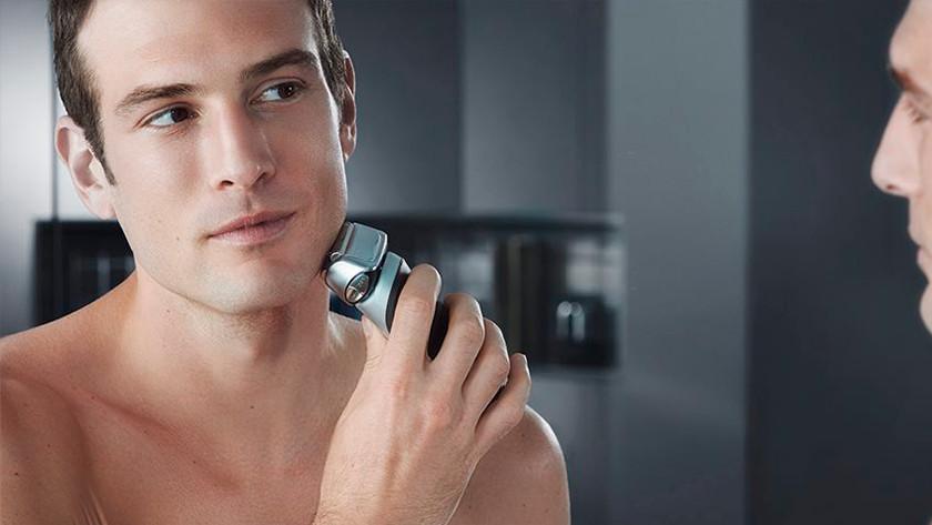 Se raser avec un rasoir Braun