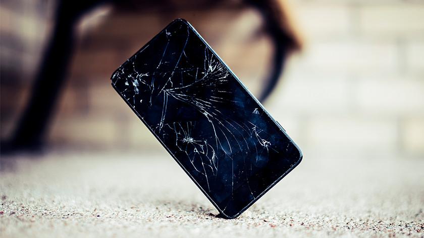 Écran de smartphone cassé