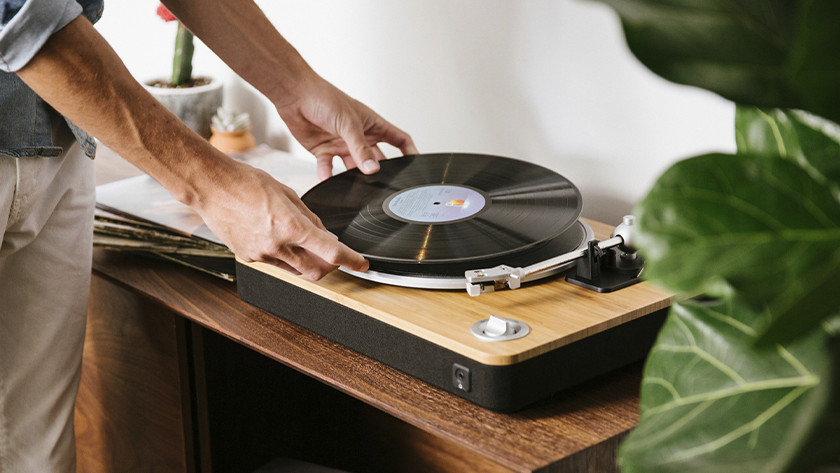 How do you choose a record player