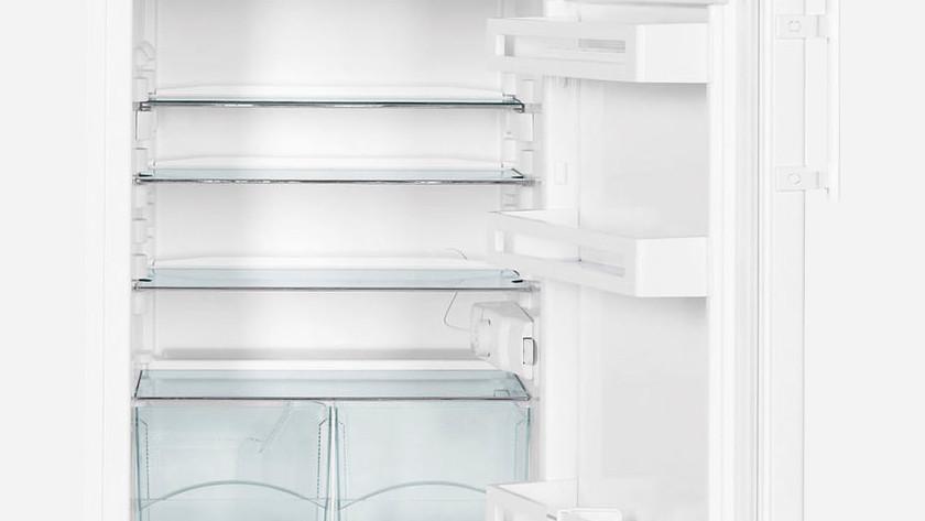Intérieur réfrigérateur vide