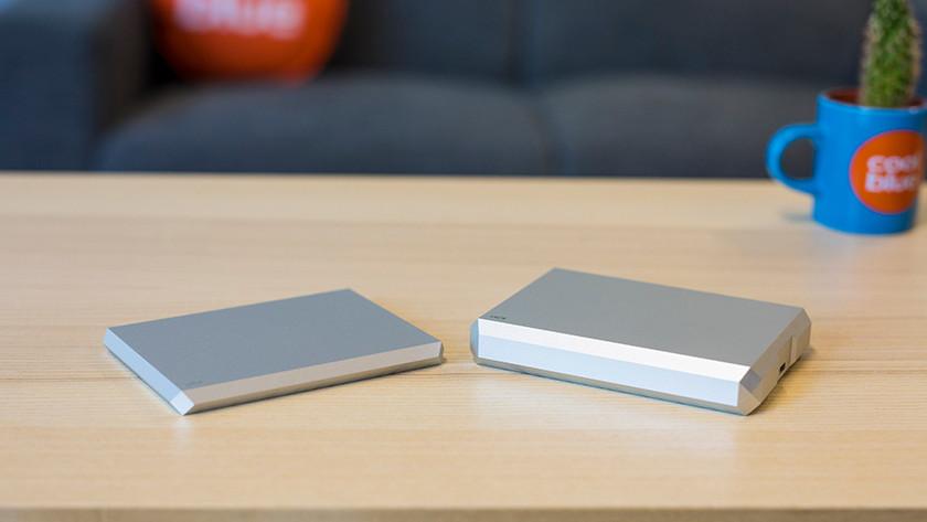 LaCie Mobile Drive 2TB en LaCie Mobile Drive 4TB naast elkaar