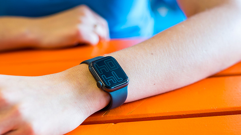 Apple Watch Series 5 always on display
