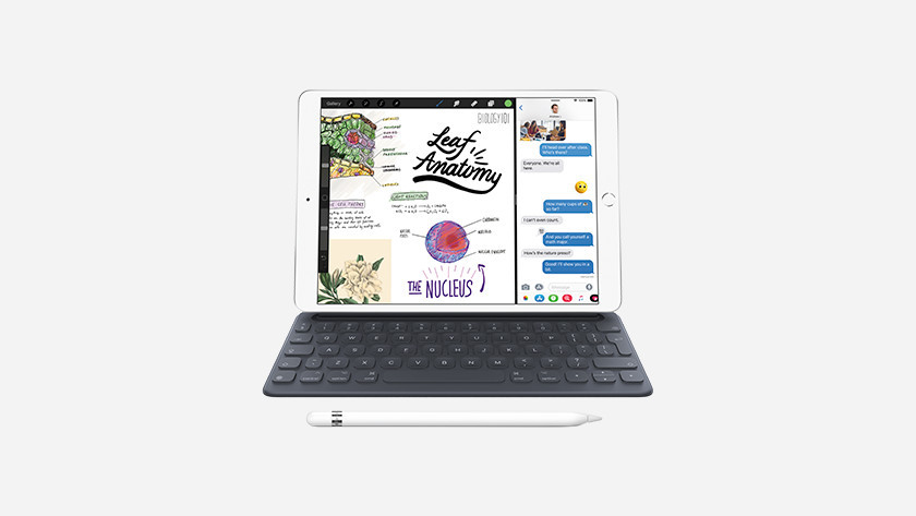 iPad Air 2019 met Apple Pencil en Smart Keyboard