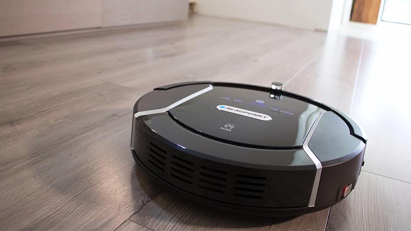 Operate robot vacuum via the app