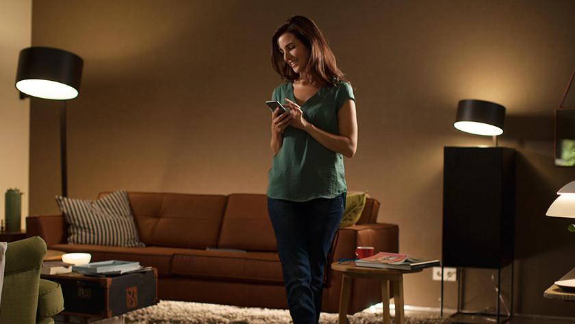 Philips hue lampen aan Google Assistent koppelen