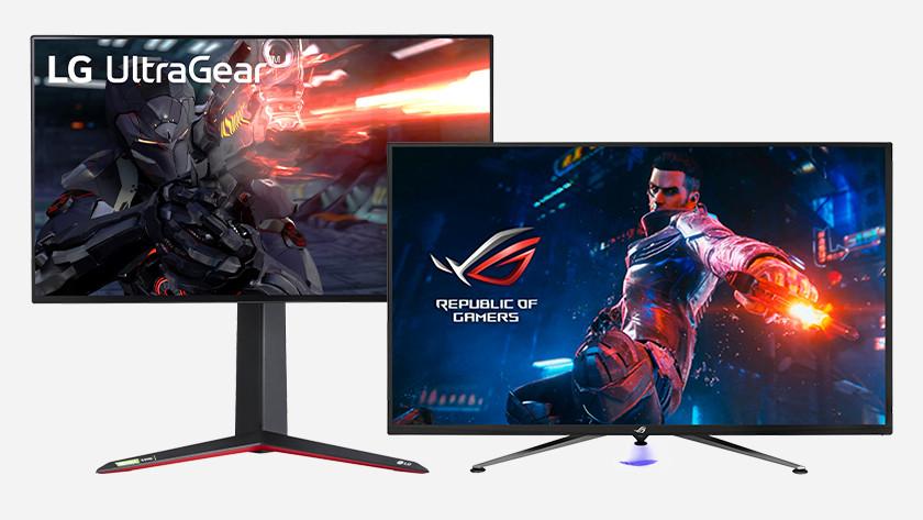 4K gaming monitoren naast elkaar.