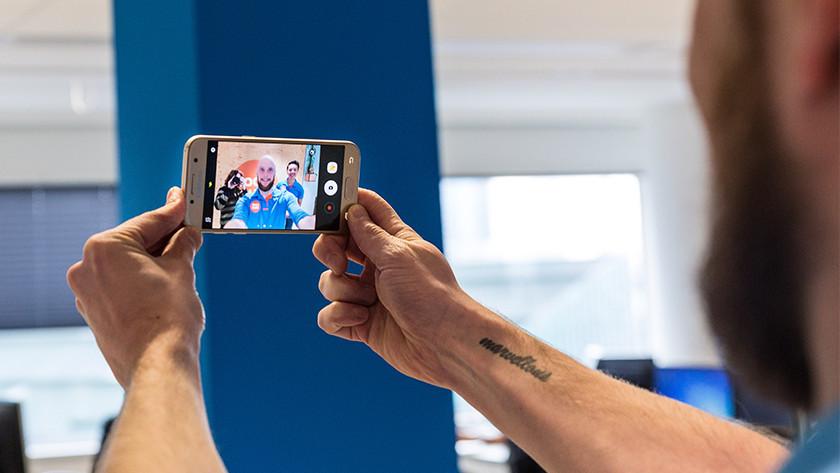 Samsung Galaxy A3 selfie camera