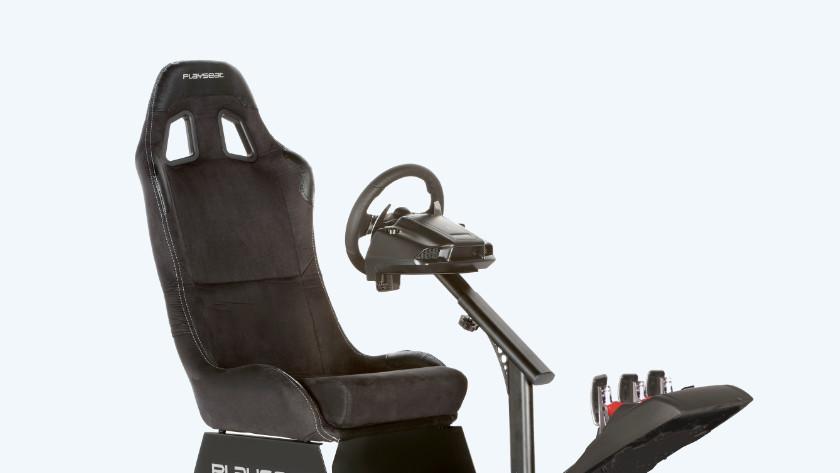 Volledig uitgeruste racing cockpit