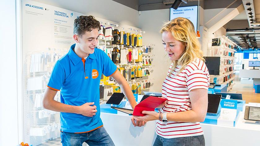 Tablethoezen advies in de Coolblue winkel