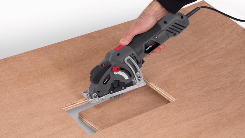 Plunge saw