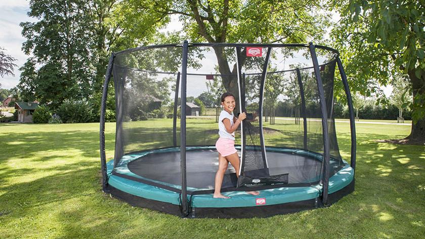 Onverharde ondergrond inground trampoline