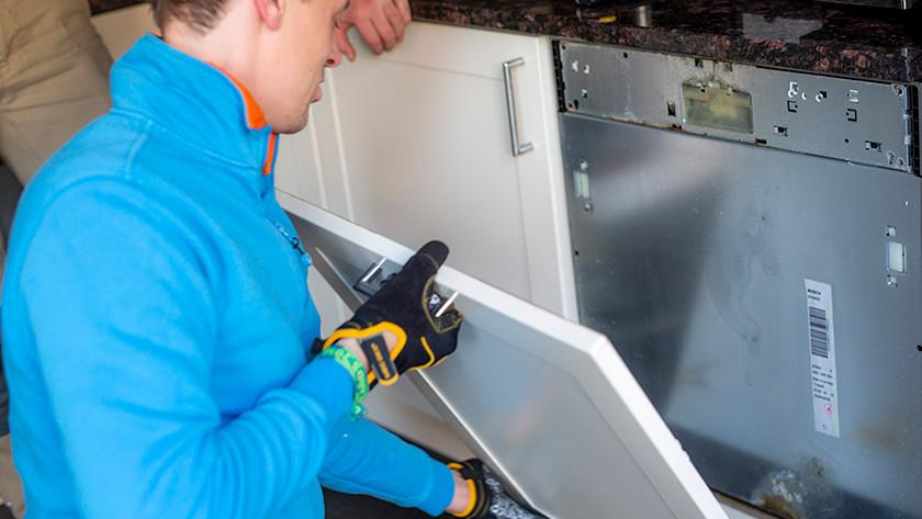 Comment Puis Je Demonter Mon Lave Vaisselle Encastrable Coolblue Avant 23 59 Demain Chez Vous