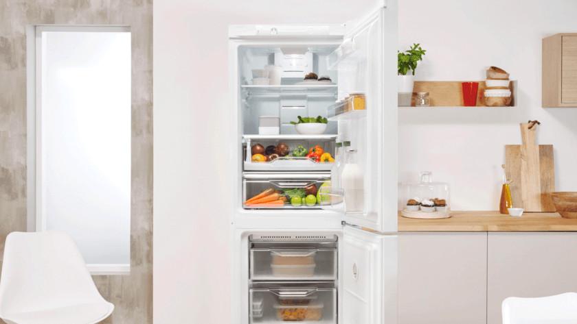 Réfrigérateur dans la cuisine