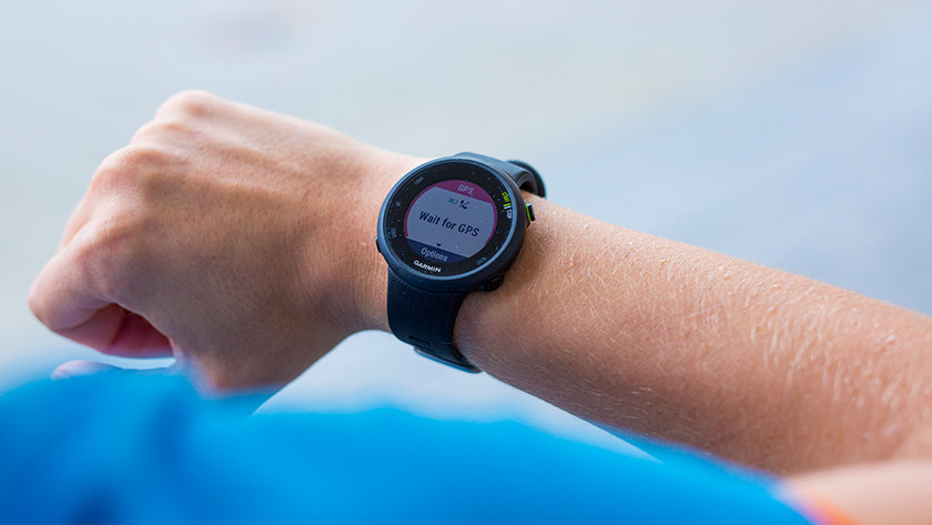 Smartwatch looks for GPS signal