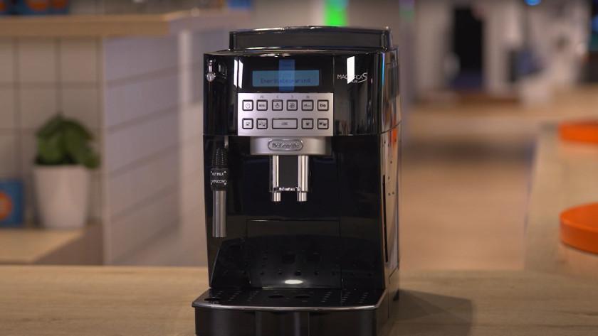 Koffiemachine met handmatige stoompijp