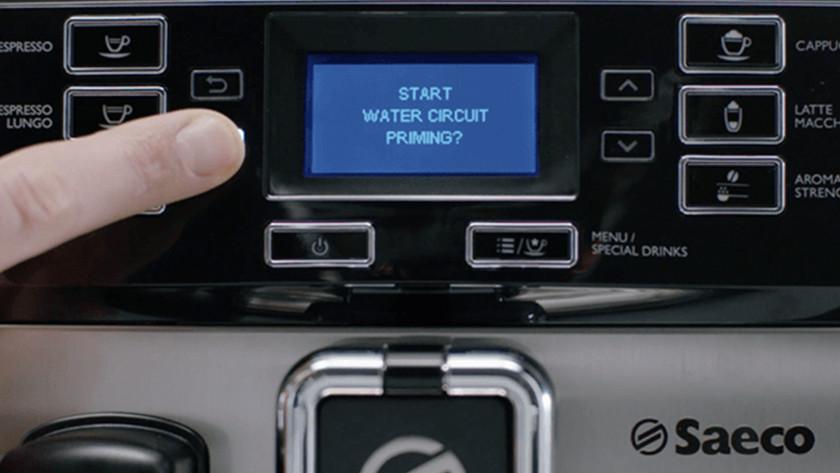 Philips of Saeco volautomaat gebruiksklaar maken