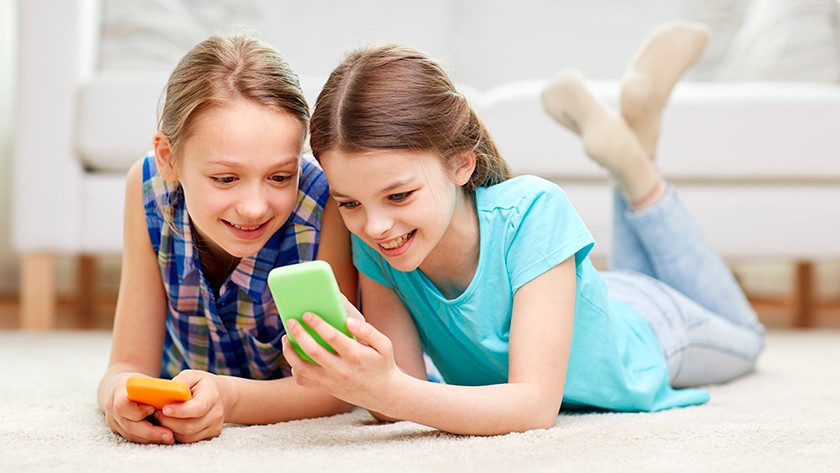 Casing and size children's smartphone