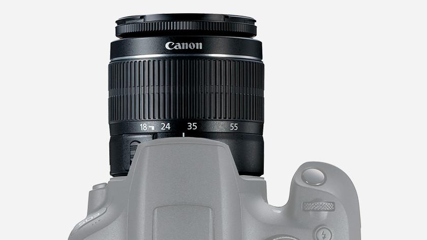 Placer l'objectif sur l'appareil photo