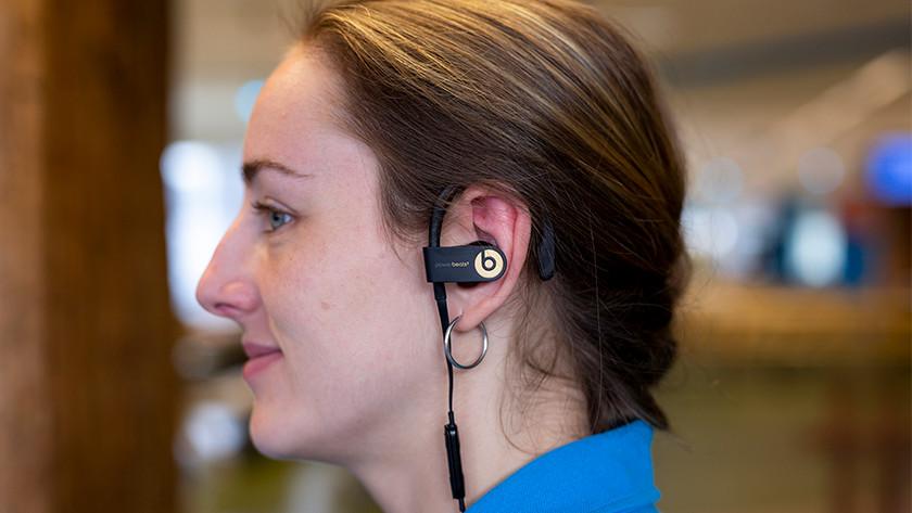 Écouteur dans l'oreille