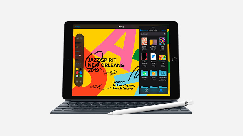 iPad with Pencil 1 and Smart Keyboard