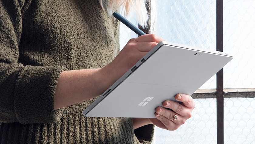 Take notes on a Surface go laptop by using a stylus pen on the touchscreen.