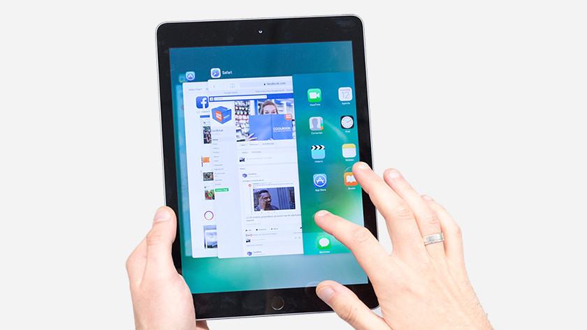 Multitasking on the Apple iPad