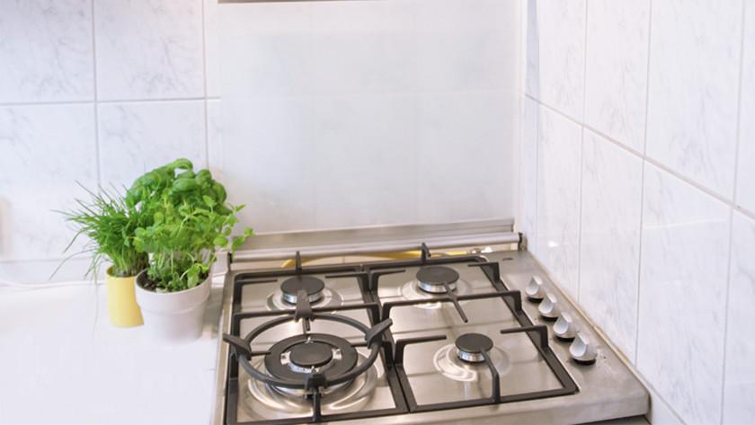 plaque de cuisson dans un coin