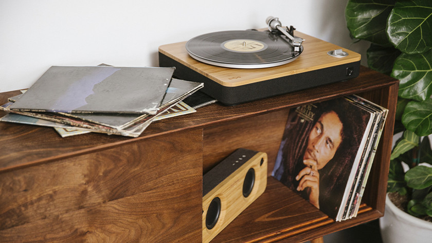 Record player with built-in preamp